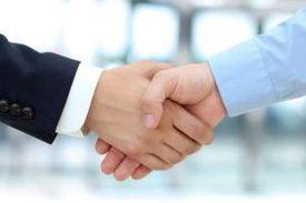 пообщаться вживую с партнерами и клиентами